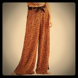 NWT Free People Animal Print Wide Leg Pant. Sz 2.